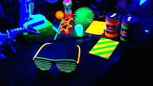 blacklight room cool bedrooms awesome black light paint for how many lights do i ideas and