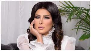 زهرة عرفات تصدم الجمهور بفارق العمر بينها وبين والدتها