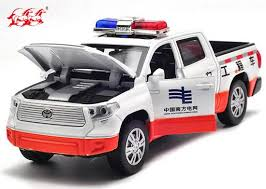 DH Toyota Tundra Diecast Pickup Truck Toy White 1:32 Scale [BB02B563]