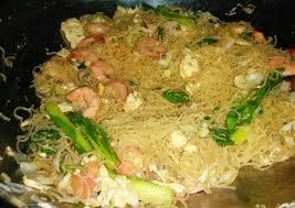 Lihat juga resep bihun goreng enak lainnya. Resep Bihun Goreng Chinese Food Istimewa Ala Dapur Rumahan Oleh Yuni Lestari Cookpad
