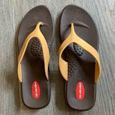Okabashi Flip Flop M L Sandals Brown Gold Thong