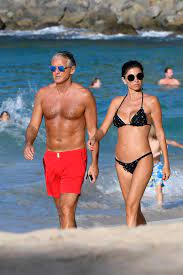 Ex-Manchester City boss Roberto Mancini holidays on the beach with his  stunning new girlfriend