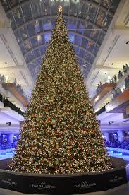 Christmas Tree Lighting Houston A Holiday Giant Gallerias Massive Christmas Tree Lighting