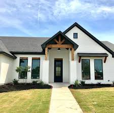 Stucco Trim Designs Love The Black And White Exterior Of This Home