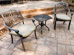 Choosing Materials for Your Patio | HGTV