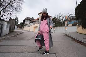Yup, ibu luna adalah seorang wanita austria bernama waltraud maier yang kini berganti nama menjadi desa maya. Luna Maya Living The First Day Of 2019 Austria Facebook