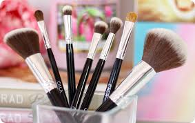 good quality affordable makeup brushes are a scarce modity in south africa there are a lot of makeup brushes available here but that s just my