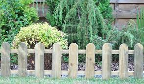3m cottage low wooden picket fence
