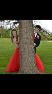 Prom picture ideas | Prom pictures couples, Prom picture poses, Prom  photography poses