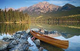 Neun Seen, die man in Kanada gesehen haben sollte - [GEO]