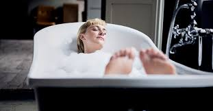 Quick & Clean Tips for <b>Essential Oils</b> in Your Bath
