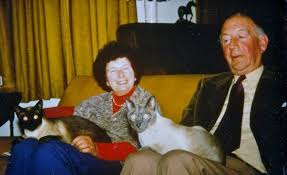 Doreen with her husband in 1977 and their Siamese <b>cats</b>. *All ...