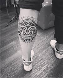 фото татуировки в стиле полинезия на голени парня фото рисунки