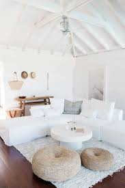 Living Room With White Furniture 25 Best Ideas About White Sofas On Pinterest White Sofa Decor