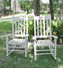 painting outdoor wood furniture