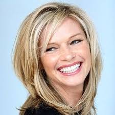 hairstyles for women with middle length in their 40 shoulder length flicks