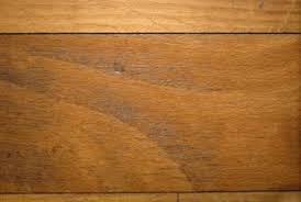 both plywood and solid wood floors can serve as sulooring under new tile