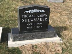 """Thomas Aaron """"Tom"""" Shewmaker (1970-2019) - Find A Grave Memorial"""