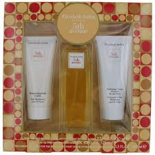5th avenue by elizabeth arden 3 piece gift set for women with cleanser