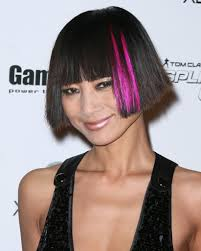 Hair Style With Highlights bai lings short hairstyle with bangs and pink highlights 2025 by wearticles.com