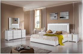Soothing Bedroom Bedroom Serene And Soothing Bedroom With White Furniture Sets