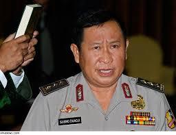 """Tulisan singkat ini dipicu oleh pernyataan Firman Wijaya, penasehat hukum Susno Duaji sore kemarin yang berkata: """"Terserah penegak hukum Indonesia ... - Susno-Duadji"""
