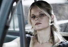 Justified's Joelle Carter Previews Ava's 'Poetic Romance' With Boyd: 'She  May Surprise Him!' | TVLine
