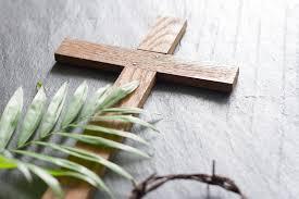 a catholic guide to holy week symbols