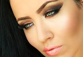 how to do smokey eyes a question that seems to have such a plicated answer however when you have a makeup guidebook at hand nothing seems to be