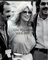 Amazon.com: OnlyClassics Queen AUTO Racing Sexy Linda Vaughn 8X10 Photo  Miss Hurst Necklace Busty Pinup: Photographs