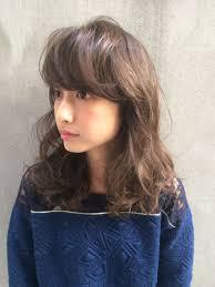 Tierra 町田雄一さんのヘアスタイル 春は人気のフェザーバングで