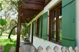 Haus Mit Grünen Fensterläden Foto Bild Monatswettbewerb Spezial
