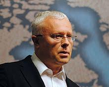 Alexander Lebedev - 220px-Alexander_Lebedev%25252C_Non-Executive_Director%25252C_Independent_and_Evening_Standard_-_Chatham_House_2012