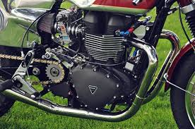 guide to types of motorcycle engines the bikebandit blog when you think of a twin cylinder motorcycle engine your mind probably goes straight to the abig twinsa that power most american cruisers