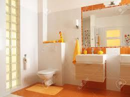 Freundliches Bad Für Kinder Mit Orangefarbenen Fliesen Und Dekore