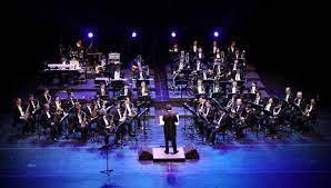 Ansambel campuran adalah permainan lagu menggunakan beberapa jenis alat musk yang berbeda dimainkan oleh beberapa orang. Pengertian Dan Jenis Musik Ansambel Lengkap Dengan Contoh Alatnya Materi Belajar