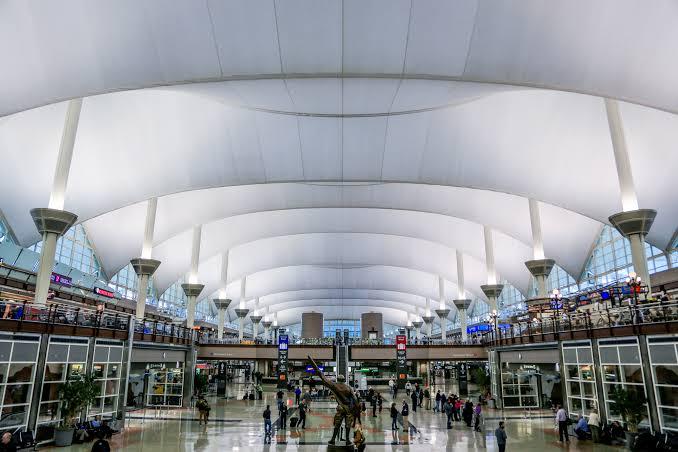 Bandara Internasional Denver