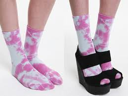 tap into the tie dye trend with these fun socks they ll brighten up your feet urban outfitters