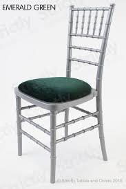 silver chiavari chair.