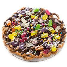 chocolate pretzel pie with gummy bears 8