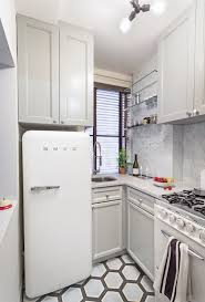 1000 Ideas About Small Apartment Kitchen On Pinterest