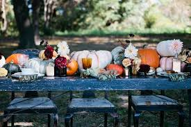 Bountiful fall table 12 Fall Table Settings To Welcome the New Season