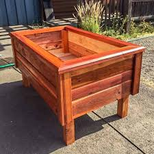 6 elevated free standing redwood planter box