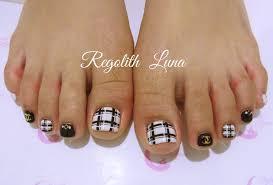冬にも足元を可愛くオシャレにフットネイルデザイン Regolith Luna