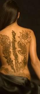 žena In Tetování Henou Pozor Na Rizika