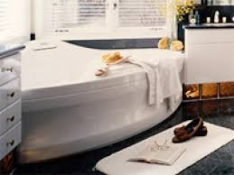 Choosing the Right Whirlpool Bathtub | HGTV