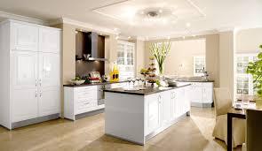 Küche Weiss Hochglanz Mit Braun Fliesen Komponiert Auf Moderne