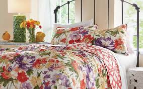 Decorating Your Home with Quilts &  Adamdwight.com