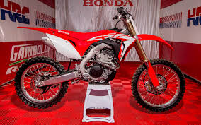 2018 honda 250 crf. plain 250 the allnew 2018 honda crf250r was unveiled today at the mxgp of belgium by  hondau0027s team hrc factory riders tim gajser evgeny bobryshev michele cervellin  and honda 250 crf 2