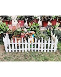 set of 4 self standing pvc picket fence
